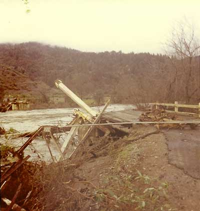 1964 Eel River flood bridge washout