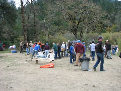 Volunteers at the Eel River Cleanup, November 2011